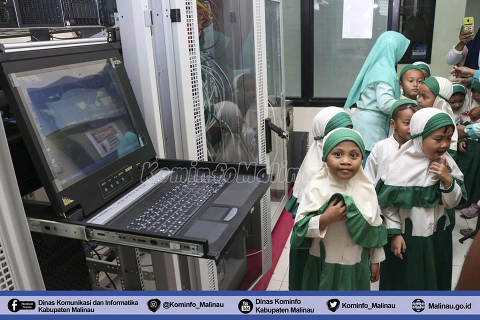 kunjungan-siswa-siswi-tk-ra-al-falah-ke-dinas-komunikasi-dan-informatika-kominfo