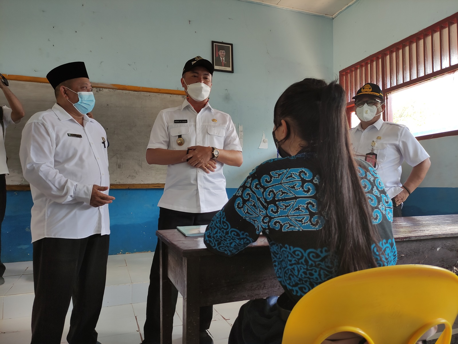 peninjuan-sekolah-korban-banjir